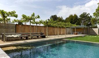 Baumplatz mit Pavillon und Sichtschutzwand - Fotograf: Bodo Mertoglu