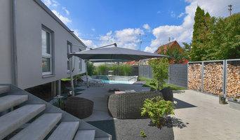 Ein moderner Familiengarten mit Pool