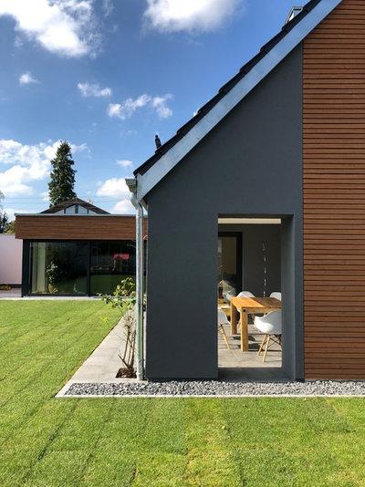 Modern Patio by architekturbüro holger pfaus