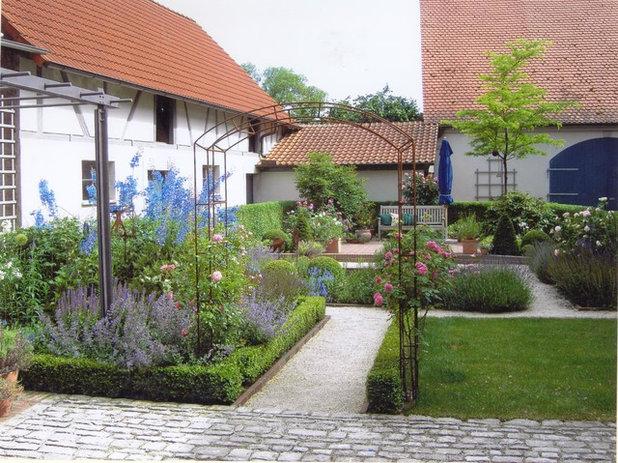 Ein sch ner garten das ganze jahr lang mit diesen 21 for Gartengestaltung landhaus