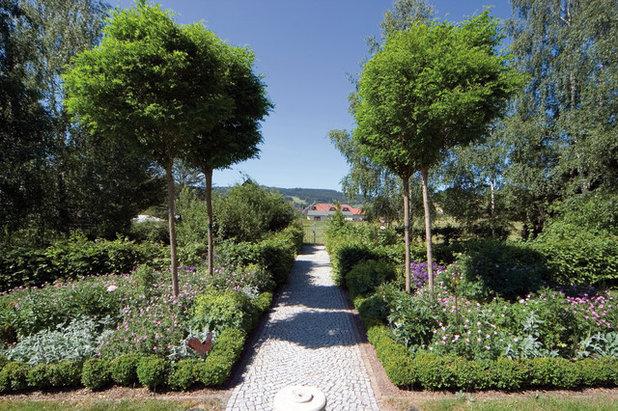 Klassisch Garten by Landschaftsarchitekturbüro Susanne Augsten