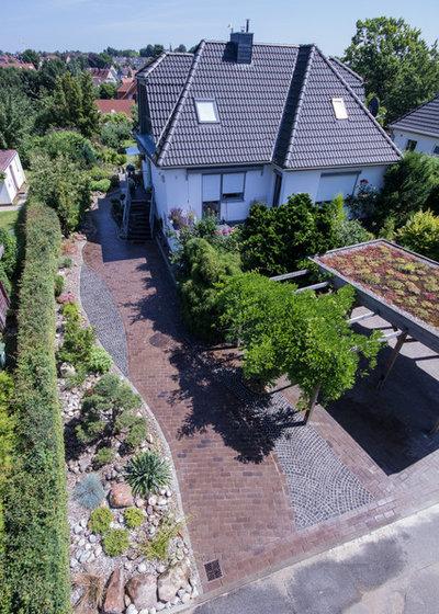 Modern Garten by Oswald Gärten