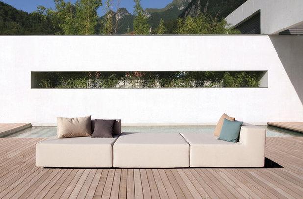 Modern Garten by april furniture