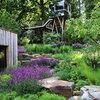 Gartenbesuch: Um und über ein Haus bei Hannover wächst ein Garten