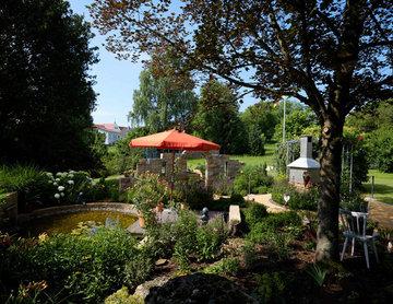 Natürlicher Familiengarten in moderner Optik