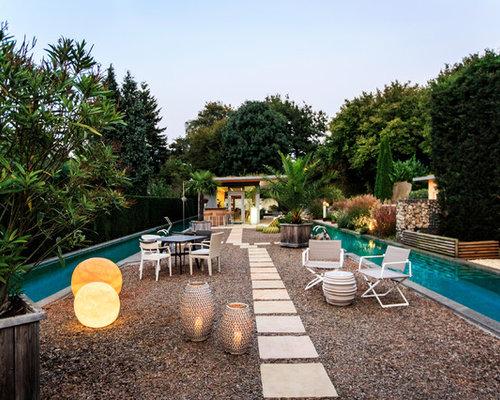 Schon Großer Mediterraner Kiesgarten Im Sommer, Hinter Dem Haus Mit Teich Und  Direkter Sonneneinstrahlung In Hannover