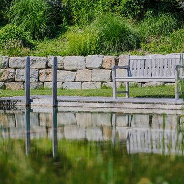 Swimming-Teich in den Bergen