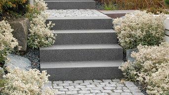 Treppe aus Basaltstufen