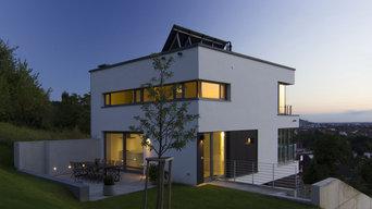 Wohnhaus in Hanglage