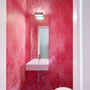 Immagine di un bagno di servizio minimal