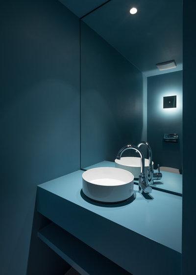 Modern Gästetoilette by gerken.architekten+ingenieure