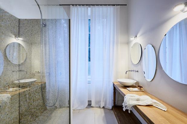 Modern Gästetoilette by von Savigny Interior