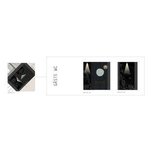 Неиссякаемый источник вдохновения для домашнего уюта: туалет среднего размера в современном стиле с открытыми фасадами, черными фасадами, писсуаром, черной плиткой, мраморной плиткой, черными стенами, мраморным полом, врезной раковиной, столешницей из гранита, черным полом, черной столешницей, напольной тумбой и стенами из вагонки