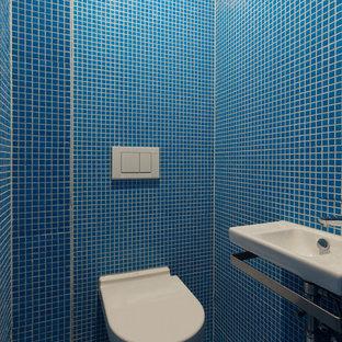 Photos et idées déco de WC et toilettes avec un carrelage bleu Allemagne