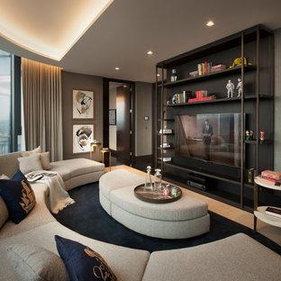 Ispirazione per un grande soggiorno contemporaneo chiuso con pareti grigie, pavimento in marmo, nessun camino, TV a parete e pavimento multicolore