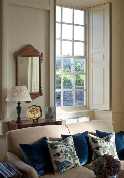 Traditional Family Room by MG Interior Design