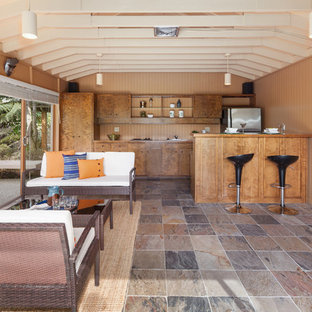 Luxury Midcentury Clyde Hill Stage