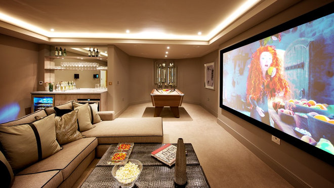 Transitional Family Room by Adept Integrated Systems Ltd