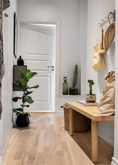 Scandinavian Hallway & Landing by A little story