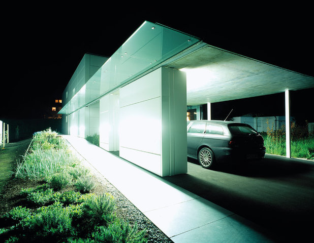 Modern Garage by unit a, freie architekten bda