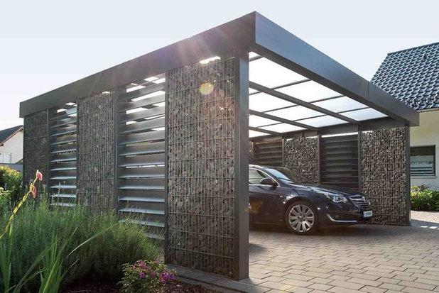 Contemporary Garage by Steelmanufaktur