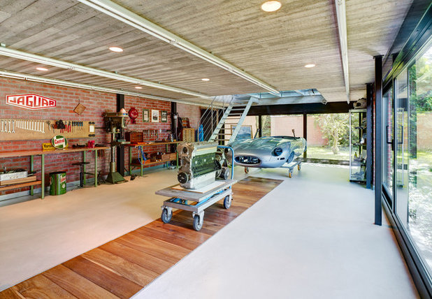 Contemporary Garage by Martin Gaissert Fotografie