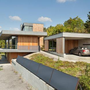 Mittelgroße Moderne Garage in Sonstige