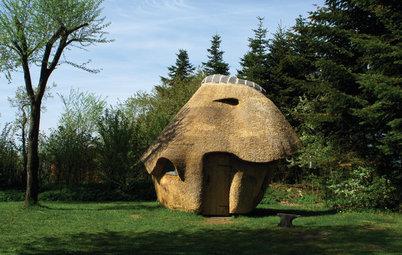 Skørt og skægt – Sådan byggede Bjarne en sauna med stråtag