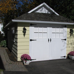 traditional garage and shed by Sandra Howie