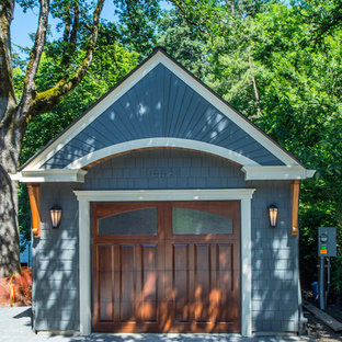 Inspiration for a small classic detached single garage in Portland.