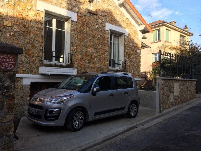 Aménagement de place de stationnement extérieure à Chaville