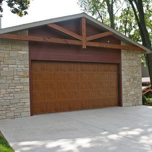Idéer för stora amerikanska fristående tvåbils garager och förråd