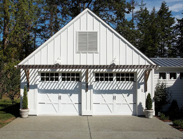 Eclectic Garage by Dan Nelson, Designs Northwest Architects