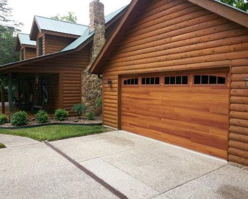 & C.H.I. Accent Woodtones Doors