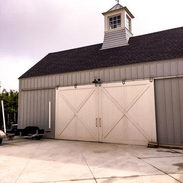 C22-Barn & Sliding Doors