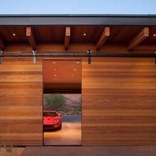 Bild på en stor funkis trebils carport