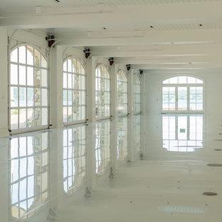 Idéer för en mycket stor klassisk tillbyggd garage och förråd