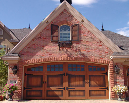 Attached Carriage House Houzz