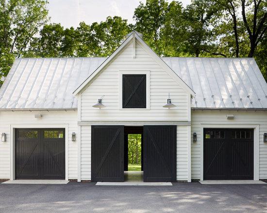 Detached garage design ideas remodels photos for Detached 3 car garage plans with apartment