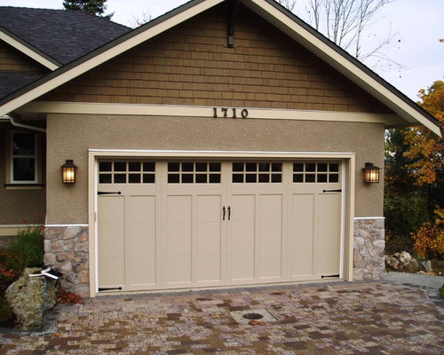 Fiberglass garage doors home design ideas pictures for Traditional garage