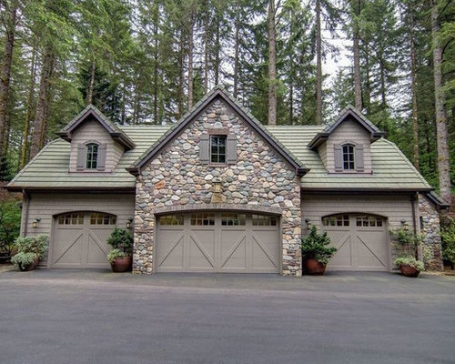75 trendy craftsman detached garage design ideas for Arts and crafts garage