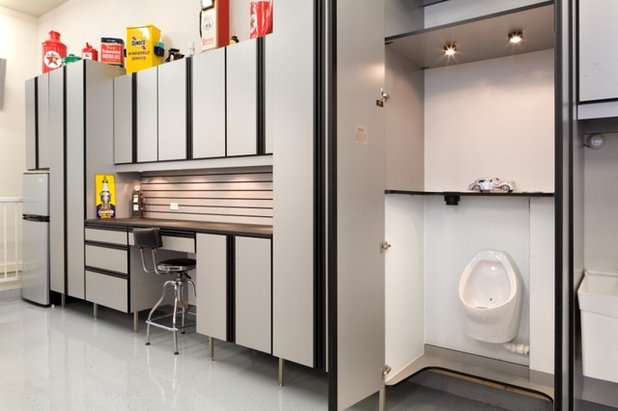 Industriale Garage by Closet Organizing Systems