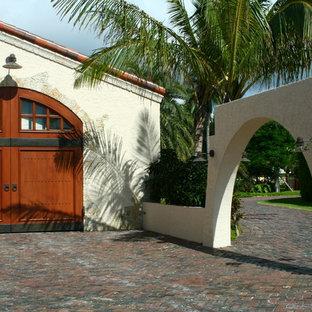 Mediterrane Garage in Miami
