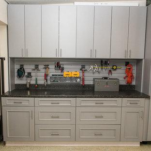 Idee per garage e rimesse connessi stile americano di medie dimensioni con ufficio, studio o laboratorio