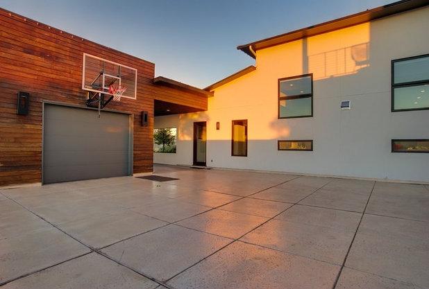 Contemporary Garage by OSCAR E. FLORES DESIGN STUDIO, LLC