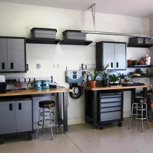 Example of a mid-sized urban two-car garage workshop design in Toronto