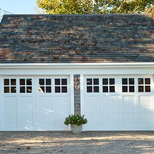 Inspiration för en vintage fristående tvåbils garage och förråd