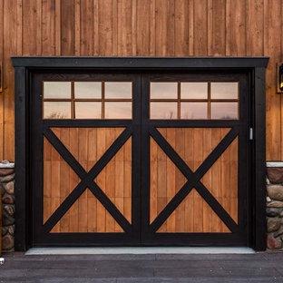 Exempel på en rustik garage och förråd