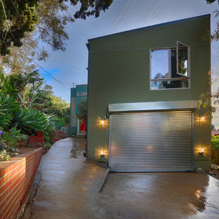This is an example of a large industrial detached double garage in Los Angeles.
