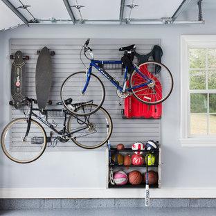 Inspiration för en stor industriell tillbyggd garage och förråd